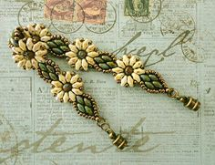 Would make a nice choker Linda's Crafty Inspirations: Bracelet of the Day: Daisy Duo Bracelet - Ivory & Turquoise Beaded Braclets, Beaded Bracelet Patterns, Seed Bead Bracelets, Seed Bead Jewelry, Bead Jewellery, Beading Patterns, Seed Beads, Silver Bracelets, Bead Crafts