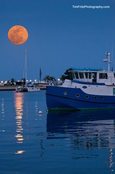 ce4fe2cc6230 Super moon last night. Went downtown by the water with my wife and meet some