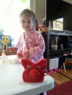 Play dough pig   Masadamum.blogspot.com Play Dough, Cool Kids, Dinosaur Stuffed Animal, Action, Activities, Toys, Fun, Crafts, Animals