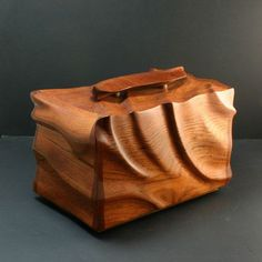 Decorative Boxes: Cremation urn - one-of-a-kind sculpted Jatoba cremation urn - memorial urn - han. Small Wooden Boxes, Wood Boxes, Woodworking Jewellery Box, Decorative Objects, Decorative Boxes, Memorial Urns, Elegant Home Decor, Cremation Urns, Wood Creations