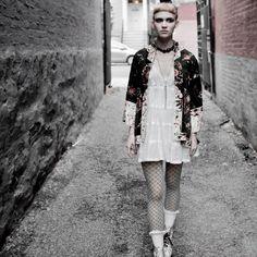 Grimes+Visions.jpg 450×450 pixels