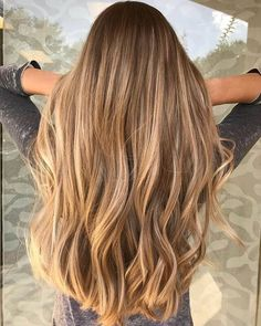 Side Swept Waves for Ash Blonde Hair - 50 Light Brown Hair Color Ideas with Highlights and Lowlights - The Trending Hairstyle Brown Hair Balayage, Brown Blonde Hair, Brown Hair With Highlights, Light Brown Hair, Brown Hair Colors, Ombre Hair, Black Hair, Honey Highlights, Peekaboo Highlights