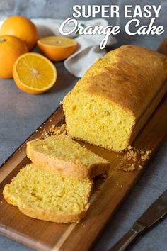 Cornmeal cornbread, a loaf that tastes like polenta - Electric Blue Food - Kitchen stories from abroad Sugar Free Recipes, Easy Cake Recipes, Dessert Recipes, Desserts, Delicious Deserts, Yummy Food, Cornmeal Cornbread, Blue Food, Polenta