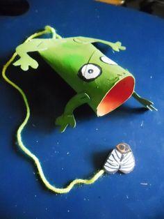 bilboquet pingouin mat riels rouleau pq bo te ufs ficelle boule polystyr ne peintures. Black Bedroom Furniture Sets. Home Design Ideas