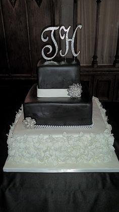 Calumet Bakery Black and White Affair Wedding Cake