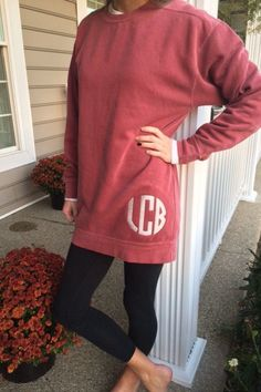 Comfy crewneck sweatshirt that is a must have this coming season! Add some leggings and boots, and you will be set for fall! This listing is for a Comfort Colors crewneck sweatshirt with an embroidered monogram. The model in the photo is wearing the color Crimson. These sweatshirts are long in length because they are unisex sizes. If you like the roomy fit, we recommend ordering your normal size which typically fits loosely. If you want it to fit a little smaller, we recommend ordering a…