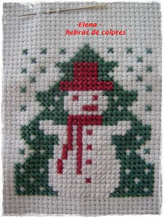 Poquito a poco: ACERCANDO LA NAVIDAD, abril Cross Stitch Christmas Ornaments, Xmas Cross Stitch, Simple Cross Stitch, Christmas Cross, Cross Stitching, Cross Stitch Embroidery, Easy Cross Stitch Patterns, Christmas Journal, Paper Crafts For Kids