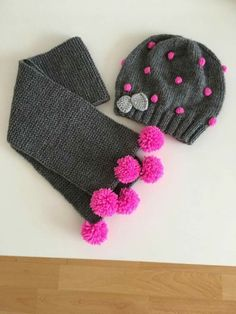 It's an easy team for our girls. - Knitting a love Crochet Kids Hats, Crochet Baby Clothes, Crochet Beanie, Crochet Scarves, Crochet Yarn, Baby Boy Knitting Patterns, Baby Hats Knitting, Knitted Hats, Crochet Patterns