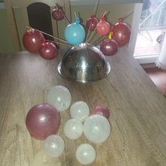 Gelatin bubbles - balonowe kuleczki z żelatyny tutorial i film. Dekoracja na tort i babeczki Cake Recipes, Cake Decorating, Creative, Fit, Gelatin Bubbles, Good Ideas, Easy Cake Recipes, Shape, Cake Tutorial