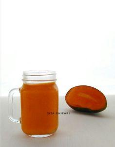 Mango juice. #Fruit #FruitJuice #MangoJuice #FoodPhotography #FoodDiary