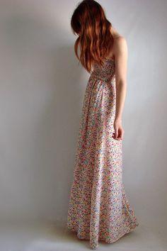 vintage sheet dress Modest Outfits, Dress Outfits, Cool Outfits, Hippie Style, Hippie Boho, Vintage Dresses, Vintage Outfits, Business Dresses, Floral Maxi