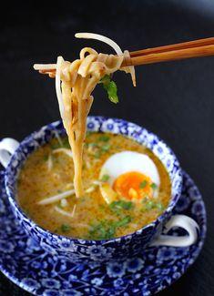 Wingko Tripe- Wingko Babat Wingko is a traditional Indonesian food Javanese … - Dutch Recipes, Asian Recipes, Soup Recipes, Healthy Recipes, Ethnic Recipes, Tzatziki, Gado Gado, Indonesian Food, Iftar