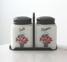 Tipp Flower Basket Shaker Set and Stand by jaditekate on Etsy, $49.00