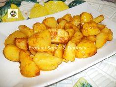 Patate al forno gratinate con paprika e parmigiano, un'ottimo contorno per accompagnare in tavola ogni pietanza di carne e di pesce, saporito e gustoso.