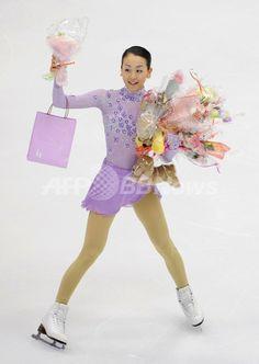 鈴木が優勝 浅田は2位、NHK杯 国際ニュース:AFPBB News