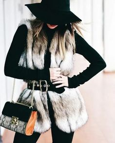 How To Style A Faux Fur Vest: 28 Lovely Ideas Faux fur vests are super popular this year (and animal friendly)! Check out these 28 lovely ideas of how to style a faux fur vest while staying warm. Vest Outfits For Women, Fur Vest Outfits, Coat Outfit, Outfit Jeans, Dressy Outfits, Mode Outfits, Clothes For Women, Stylish Outfits, Casual Dressy