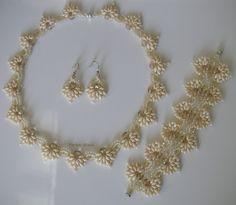 http://perlen-biene.blogspot.se/search/label/Set  Twin Spades von Smardars Treasures