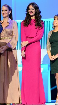 Eva González Fashion Night, Mini Skirts, Dresses With Sleeves, Long Sleeve, Style, Outfits, Evening Outfits, Long Sleeve Dresses, Long Gowns