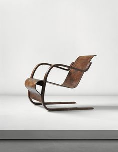 Alvar Aalto: Early cantilevered armchair with stepped base, model no. 31, designed for the Tuberculosis Sanatorium, Paimio, 1929-1933.
