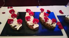 Gâteau voyage, framboises au Grand Marnier, 12/10/2015 Grand Marnier, Desserts, Food, Raspberries, Travel, Tailgate Desserts, Deserts, Essen, Postres