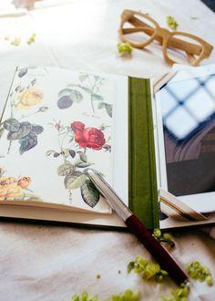 Bookbinding Tutorial from sisterMAG N°9 (page 256) plus How-to Video on Youtube: https://youtu.be/IyEYaHJFG4s