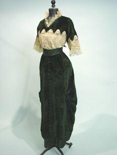 green velvet 1910s gown