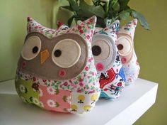 Kerajinan Tangan Dari Kain Perca Owl Fabric, Fabric Scraps, Scrap Fabric, Dressmaking, Patchwork, Big Pillows, Throw Pillows, Recyle, Sizzix Big Shot Plus