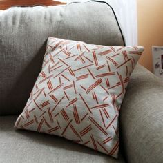 Make your own pillow covers for much cheaper than purchasing themwith this step-by-step tutorial. #craftgawker