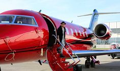 Lewis Hamilton arrives for Canadian Grand Prix on private jet #DailyMail