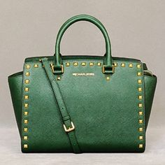 Michael Kors Studded Saffiano Selma Satchel Bag Excellent condition. Gorgeous and versatile, Large Luxury Selma Satchel. Hunter green Saffiano leather. Gold tone studs and hardware. Comes with long removable strap. Dust bag included. Matching wallet available, check my other listings. Will discount if bundled with the wallet :) trade value $400 Michael Kors Bags Satchels
