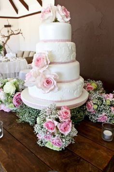 Wedding cake - vintage, lace, pearl, edible vintage roses, bridesmaid bouquets