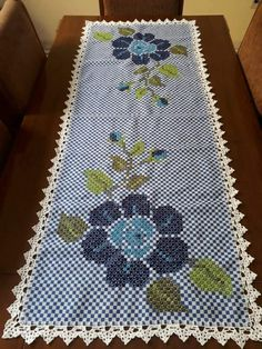 Chicken Scratch Embroidery, Hand Stitching, Gingham, Weaving, Kids Rugs, Handmade, Flowers, Towel Crafts, Ribbon Crafts