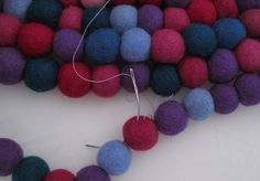 felt ball rug | Instructions for making your own felt ball rug