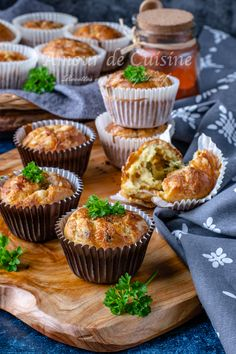 Muffins salés au blanc de poulet - Amour de cuisine Ramadan Recipes, Mini Cupcakes, Favorite Recipes, Flux Rss, Eat, Breakfast, Desserts, Bricks, Postres