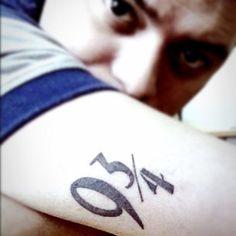 Plataforma, 9 3/4 | 31 tatuagens de babar para os amantes de livros de aventuras fantásticas