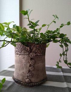 Ceramic pot keramický obal na květináč Stained Glass, Planter Pots, Pottery, Planters, Plant Pots, Pottery Ideas, Ceramica, Pottery Marks, Ceramic Pottery