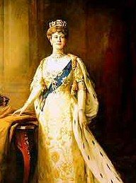 House of Windsor: Victoria Mary of Teck, grandmother of Queen Elizabeth II. The is an obvious resemblance. Especially in younger Elizabeth. British Royal Family Tree, Royal Family Trees, Queen Mary, Queen Elizabeth Ii, King Queen, Princess Victoria, Princess Mary, King Edward Vii, House Of Windsor