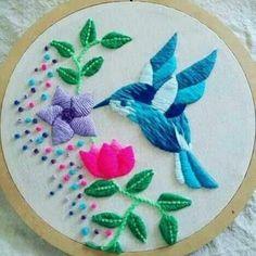Bordado Diy Embroidery Kit, Embroidery Stitches Tutorial, Sewing Stitches, Hand Embroidery Stitches, Embroidery For Beginners, Ribbon Embroidery, Embroidery Designs, Kutch Work Designs, Bordado Floral