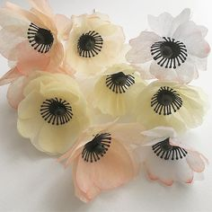 Simple paper flowers light anemone ♥ #paper #flowers #decoration #anemone #white #yellow #light