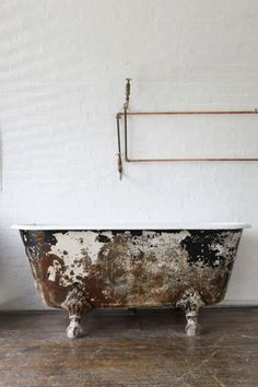 Landscaping With Rocks - How You Can Use Rocks Thoroughly Within Your Landscape Style Just A Hint - 20 Interiors Inspired By Richard Serra At Sfmoma - Photos Peeling Paint, London Apartment, Beautiful Bathrooms, Wabi Sabi, Bathroom Interior, Industrial Bathroom, Budget Bathroom, Design Blogs, Design Projects