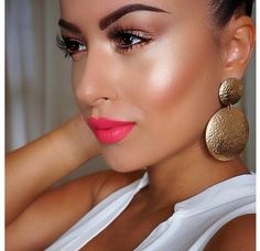 ❤❤❤ Glowing face. Make up look. Coral lips. Summer face.