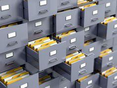 Ordner helfen beim Sortieren von Dateien. Wirklich tolle Fotos sollten nicht lose in Kartons oder Schubladen rumliegen. So können sie weder auf Anhieb gefunden werden, noch werden sie entsprechend gewürdigt. #fotoverwaltung #fotosicherung Wir zeigen euch Möglichkeiten, wie ihr eure Fotos aufbewahren und verwalten könnt: http://www.fotos-fuers-leben.ch/inspire/momente/verwaltung-und-sicherung-von-fotos/