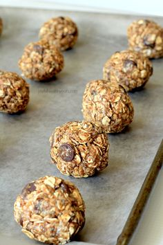 An easy healthy recipe that is perfect for a snack or breakfast in the morning. No Bake Dark Chocolate Coconut Almond Butter Energy Bites, packed full of fiber, nutrients & chocolate! Protein Bites, Energy Bites, Protein Snacks, High Protein, Baking Recipes, Snack Recipes, Dessert Recipes, Popcorn Recipes, Healthy Recipes