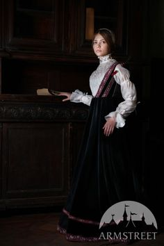 Sleeveless Florentine Renaissance Dress