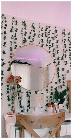 Indie Room Decor, Cute Bedroom Decor, Teen Room Decor, Room Ideas Bedroom, Bedroom Inspo, Cozy Teen Bedroom, Teen Bedroom Designs, Trendy Bedroom, Diy Bedroom