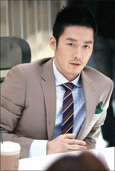 Jang hyuk>amazing actor♡ Hot Actors, Actors & Actresses, Kdrama, So Ji Sub, Jang Hyuk, Love Movie, Beard Styles, Korean Actors, Korean Drama