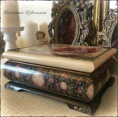 Фотография Decoupage, Antique Items, Ottoman, Decorative Boxes, Scrap, Antiques, Handmade, Painting, Furniture