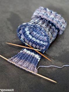 Tee itse lämmin koiran neule sukka- ja heijastinlangoista. Muokkaa ohjetta koirasi mittojen mukaan.