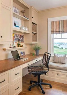Contemporary Home Office Design Ideas - Search photos of contemporary home offices. Discover ideas for your trendy home office design with ideas for decor, storage as well as furniture. Office Built Ins, Built In Desk, Built In Cabinets, Storage Cabinets, White Cabinets, Home Office Space, Home Office Desks, Small Office, Home Office Cabinets