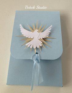 Caixa para dois macarrons e caixa com oração e tercinho para Batismo ou Primeira Comunhão